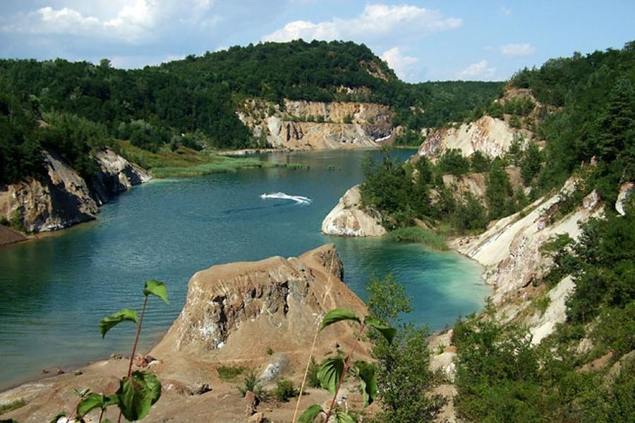 Winnetou szelleme a legmélyebb magyar tónál
