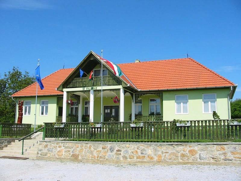 Galvács faluház