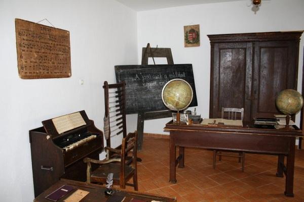 Iskolatörténeti kiállítás Szendrő