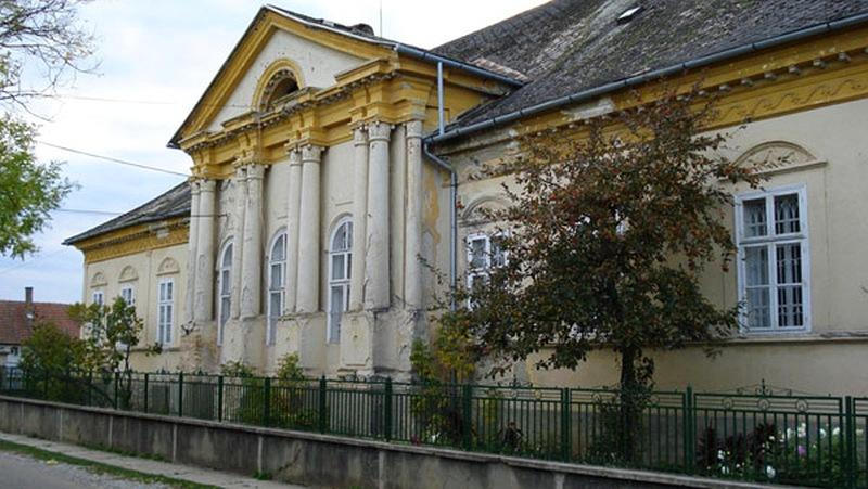 Bónis-Gedeon kastély Szalonna